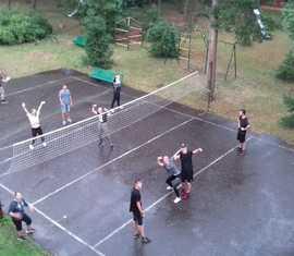 Volleyball am ersten Abend