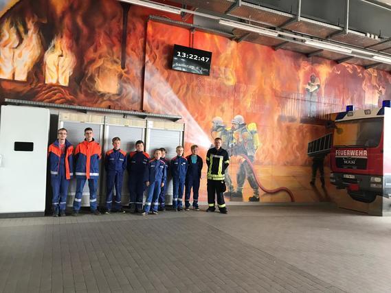 Besuch der Leitstelle in der Feuer- und Rettungswache 1 der Berufsfeuerwehr Cottbus