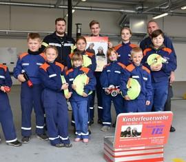 """Unseren """"Feuerwehrleuten von Morgen"""" mit neuer Ausrüstung"""