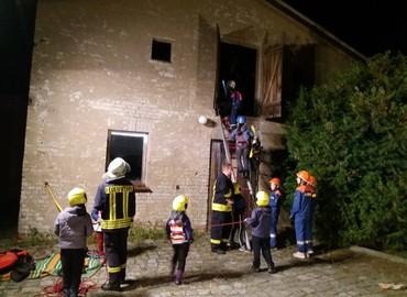 Rettung einer Person über tragbare Leitern