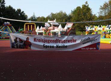 Kindertobetag der Kreisjugendfeuerwehr Spree-Neiße im Jahr 2020 unter dem Motto Hüpfburgentag